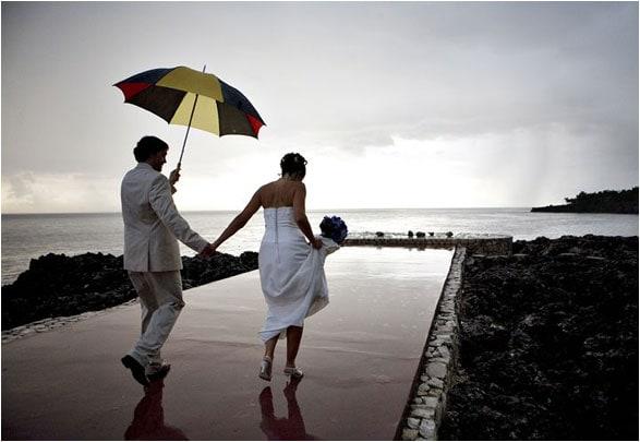 rainy wedding day wedding photos